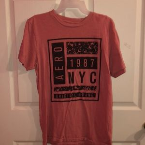 pink/red aéropostale t-shirt